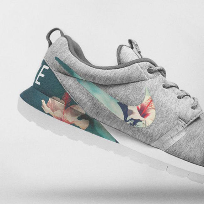 Ảnh của Nike Floral Roshe Customized Running Shoes